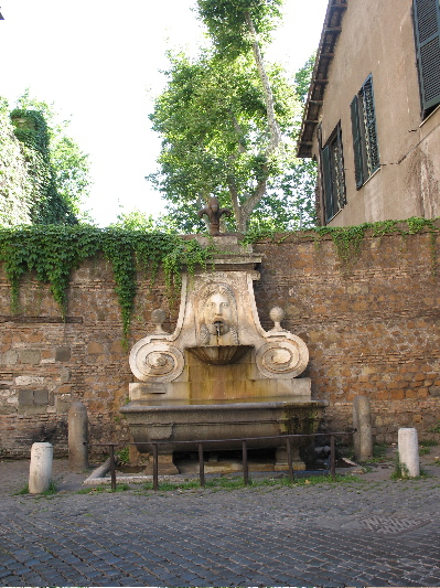 fountain on via giulia