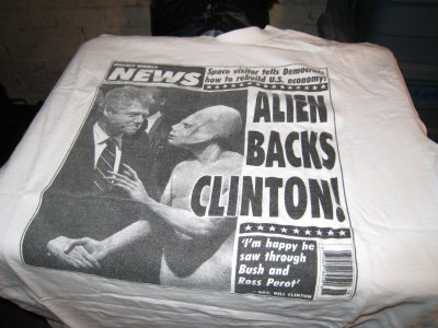 bill clinton meets with aliens  weekly world news